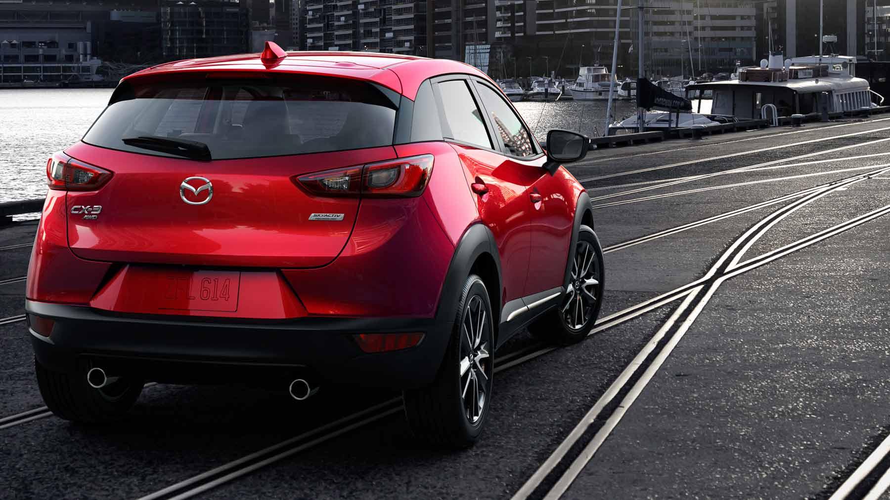 Mazda CX-3 2017, vista trasera