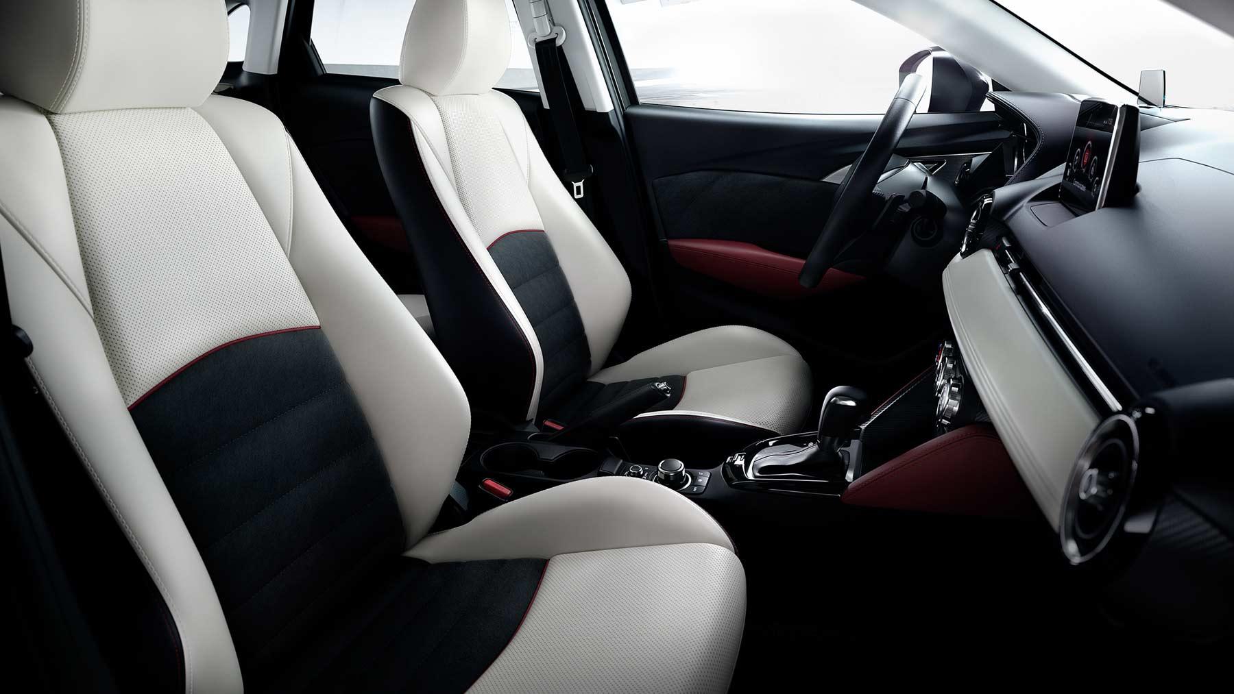 Mazda CX-3 2017, asientos de cuero