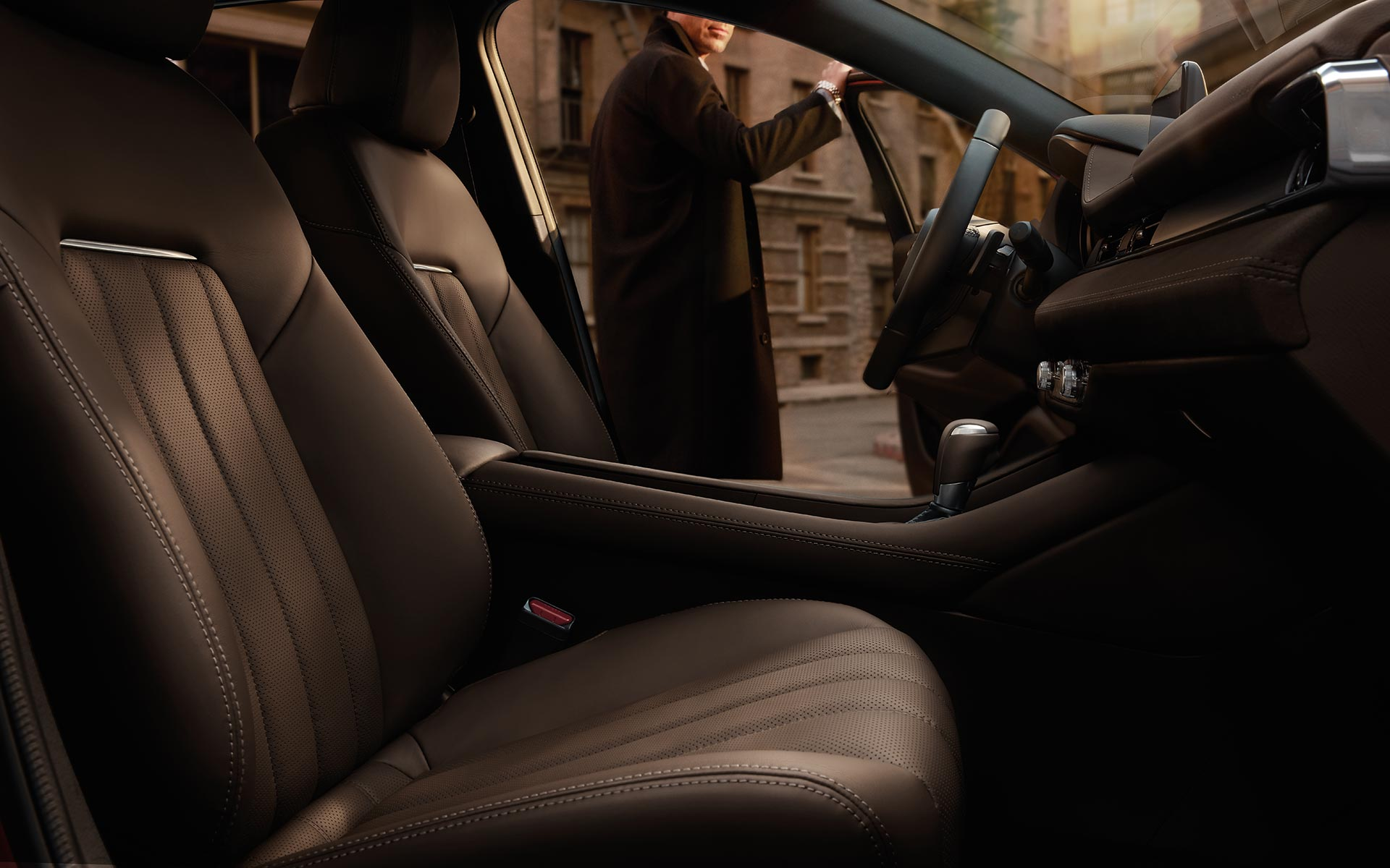 https://www.mazdausa.com/siteassets/vehicles/2018/mz6/features-page/tout/2018-Mazda-6-cabin-interior.jpg